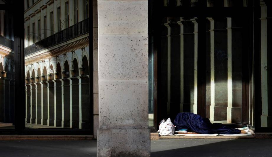 Plus d'un millier d'enfants ont dormi à la rue ou dans des abris de fortune la nuit du 1er au 2 septembre, veille de la rentrée scolaire, selon une enquête publiée jeudi par la Fédération des acteurs de la solidarité (FAS) et Unicef France