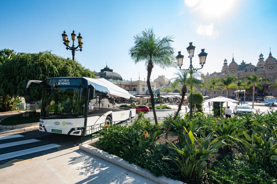 Depuis octobre dernier, des bus électriques de différents gabarits et marques sont testés sur diverses lignes de la Principauté. En parallèle, une étude technique est en cours pour choisir la meilleure stratégie de recharge.