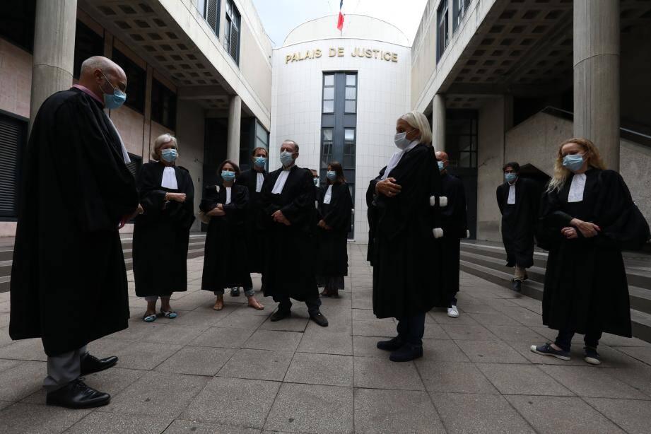 """Pour les avocats du barreau de Draguignan """"le silence est coupable""""."""