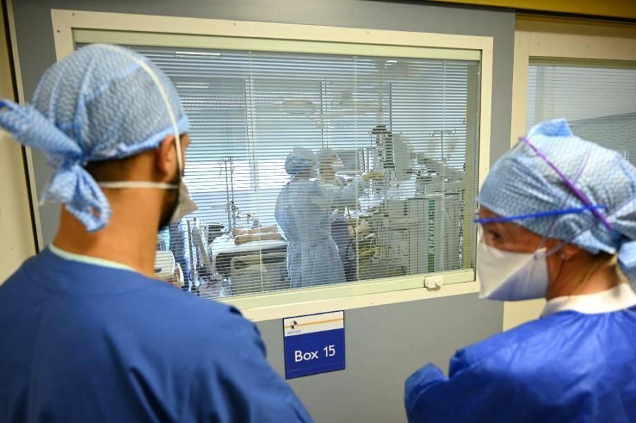 Dans la zone Covid-19 de l'hôpital de La Timone à Marseille le 25 septembre 2020