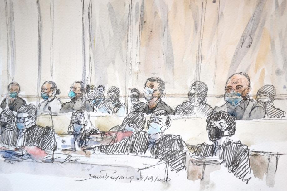 Croquis d'audience montrant les accusés  et leurs avocats, lors de l'ouverture du procès des attentats de janvier 2015, le 2 septembre 2020 à Paris