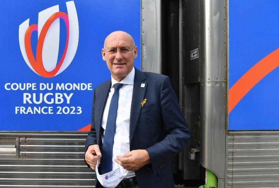 Le président de la Fédération française de rugby (FFR) Bernard Laporte le 8 septembre 2020 lors d'une oppération avec la SNCF en vue de la Coupe du monde 2023 à la Gare de Lyon à Paris