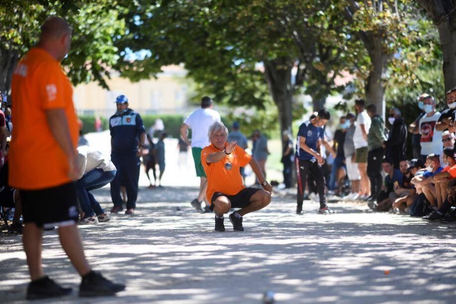 Marco Foyot en action lors du Mondial de la pétanque au parc Borely à Marseille, le 31 août 2020
