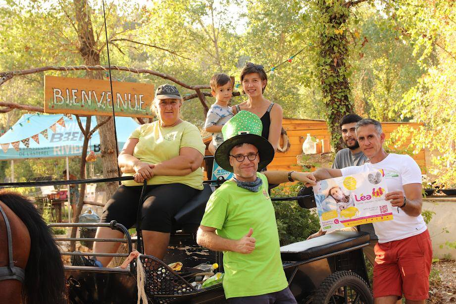 Les bénévoles ont collecté près de 1000 € en faveur de l'association Léa, à la ferme Oamaru.