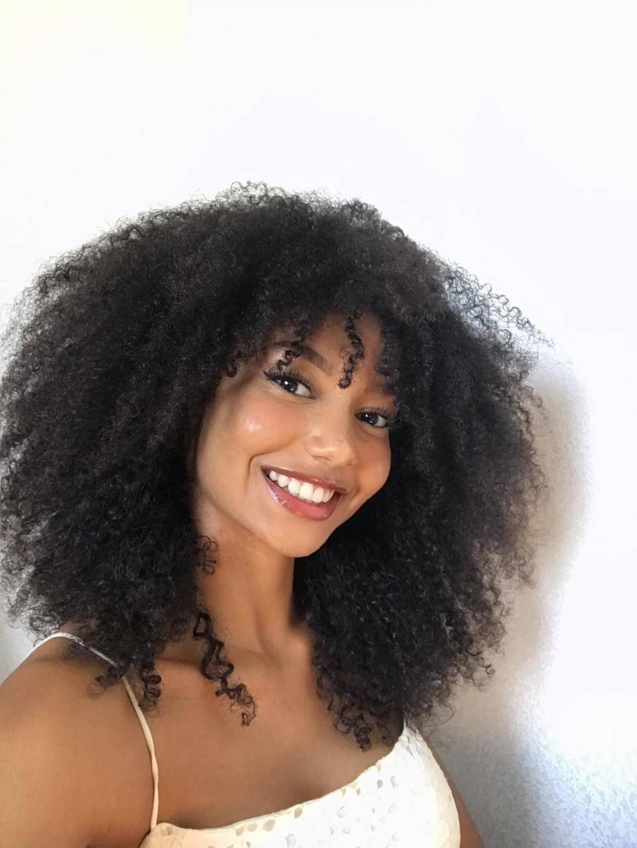 À 20 ans, Emma B., nouveau visage de l'antiracisme à Nice, participe, ce soir, au concours Miss Vallauris-Golfe Juan. Un premier pas vers Miss Côte d'Azur puis Miss France.