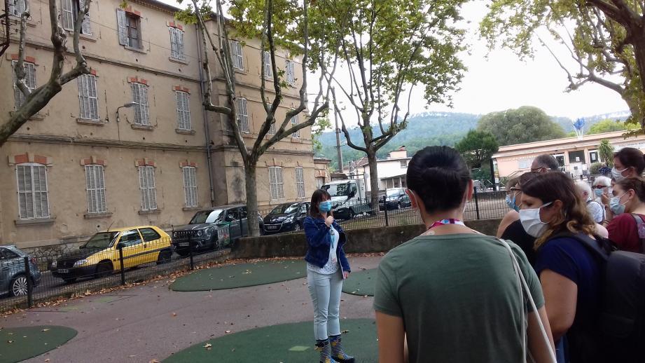 Faute de pouvoir rentrer dans le collège Liberté, les visiteurs ont pu découvrir sa genèse depuis l'extérieur.