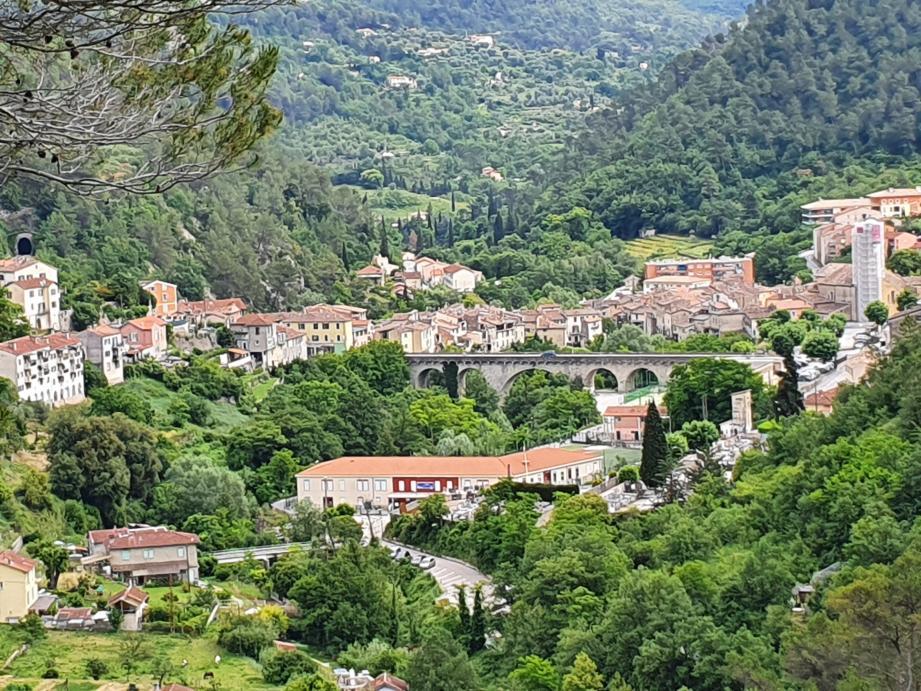 Le village de L'Escarène, dans l'arrière-pays niçois.