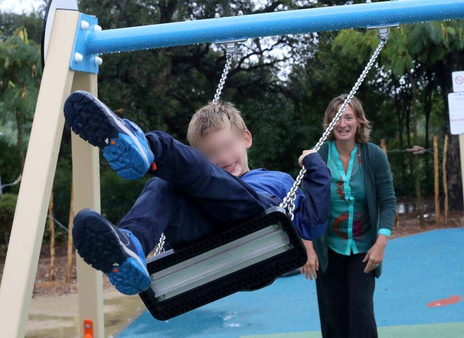 Fanny retrouve le souire car son petit Julian a bien retrouvé le chemin de l'école.