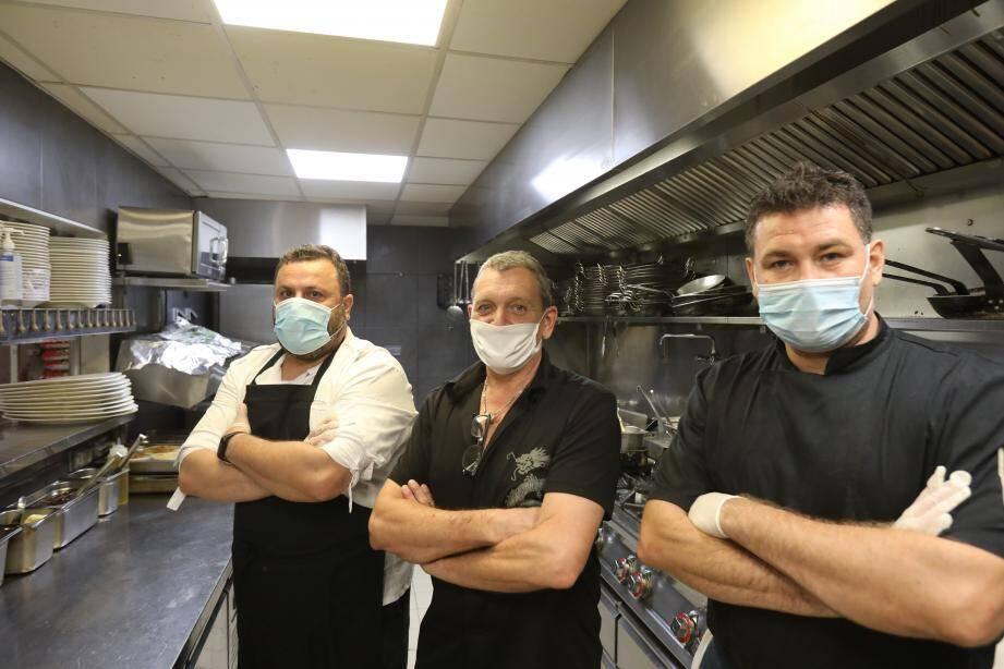 En cuisine, Frédéric, Sadri ou Cyril redoutent désormais plus le coup de blues que le « coup de feu ».