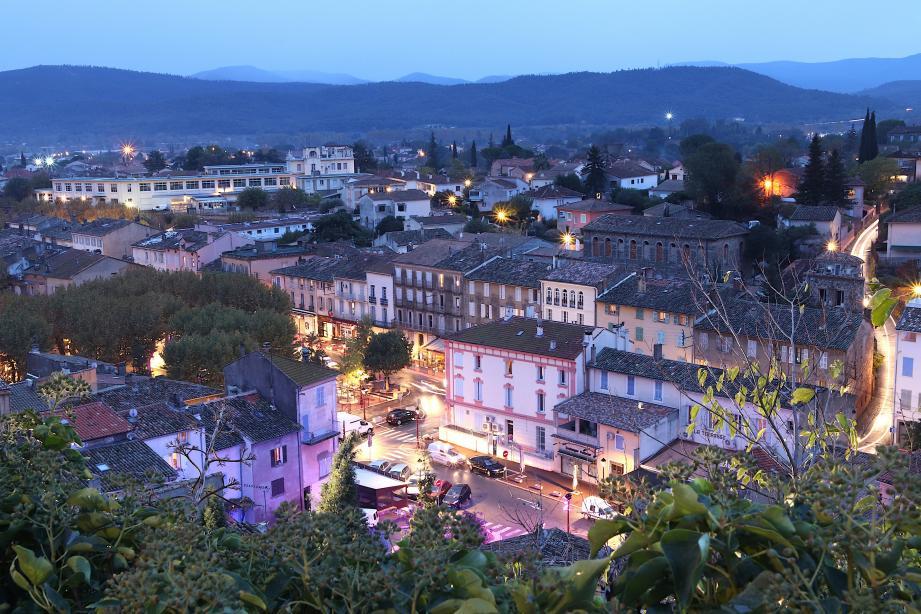 La Ville s'est régulièrement développée au cours de ces dernières années, essentiellement en périphérie, au détriment du centre.