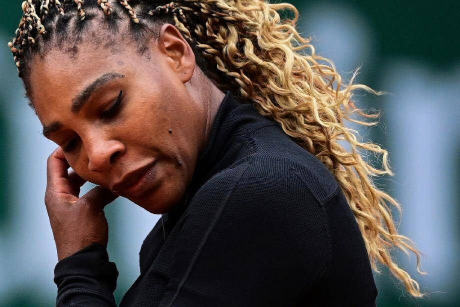 Serena Williams lors de son premier tour à Roland-Garros le 28 septembre 2020 à Paris