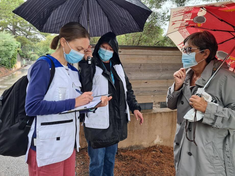 Clarisse et Isabelle de Santé publique France ont informé cette propriétaire sur les risques de contamination pour elle et sa famille.