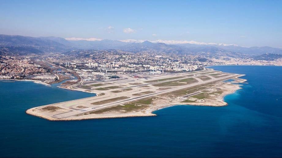 Nice Côte d'Azur reste l'aéroport de France offrant la plus belle vue à l'atterrissage.