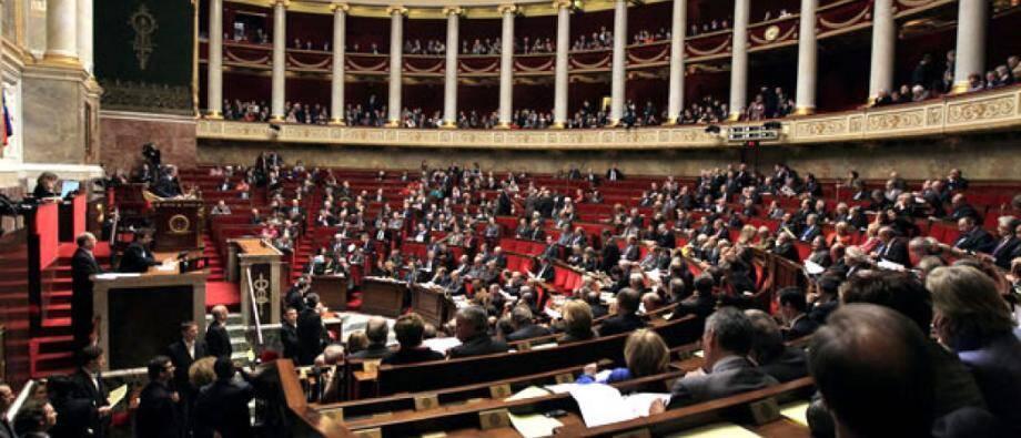 """La plupart des groupes de l'Assemblée n'émettent pas d'objection de principe à une réforme de l'institution et à l'objectif de conforter la """"démocratie participative""""."""
