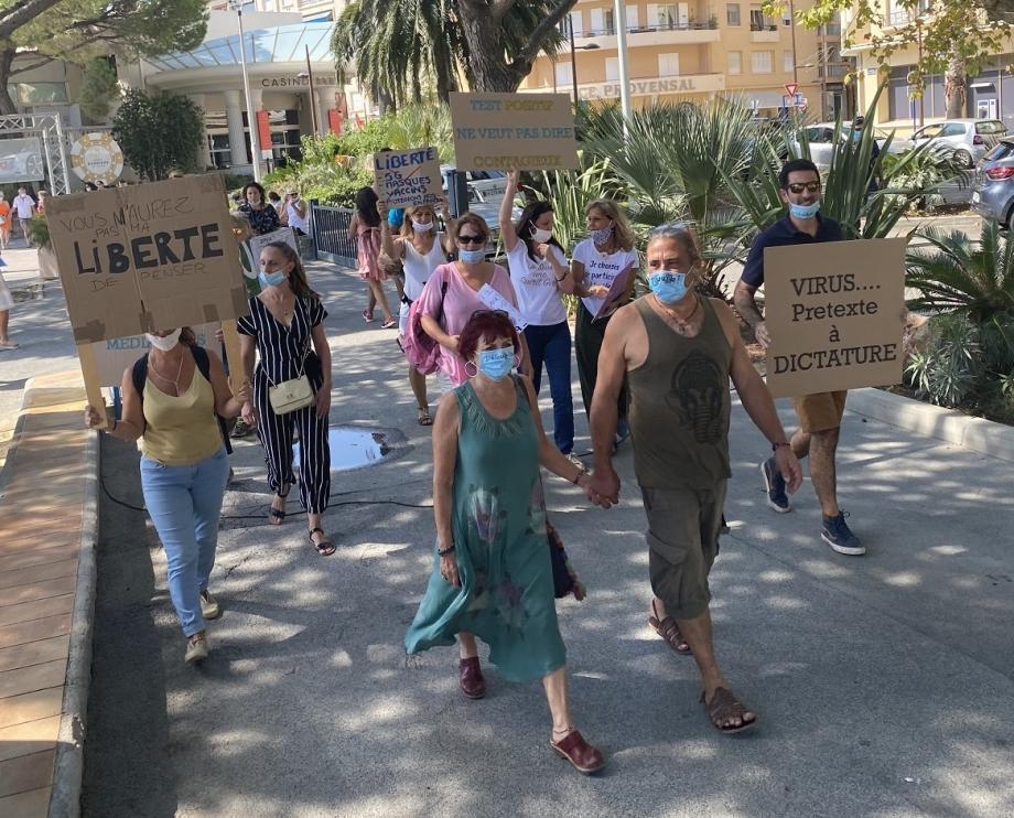 La manifestation a rassemblé une cinquantaine de personnes.