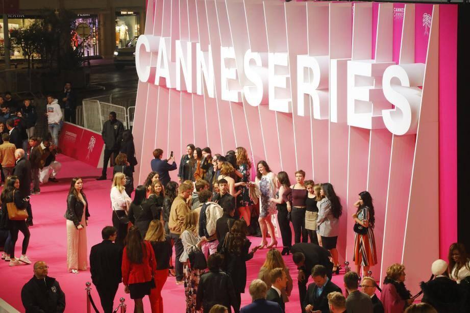 CanneSeries aura bien lieu au mois d'octobre.
