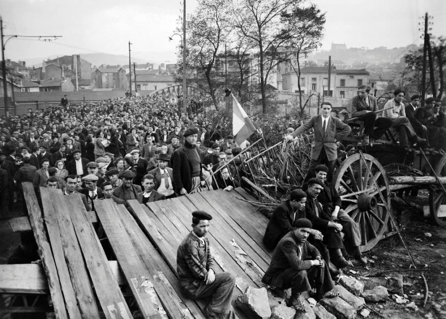 Un meeting à Montceau-les-Mines, en Saône-et-Loire, le 27 octobre 1948