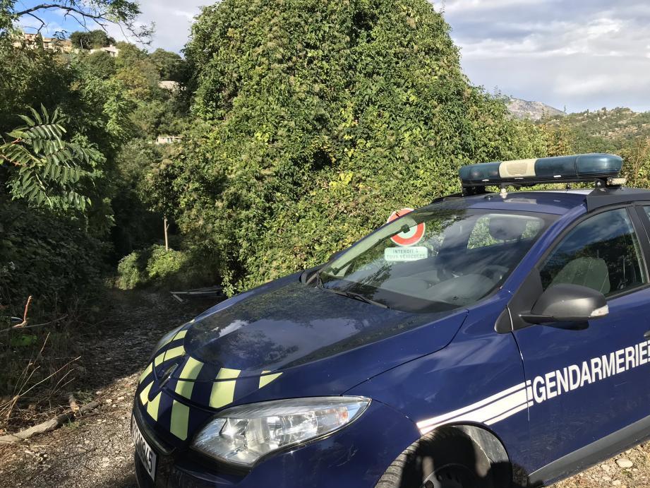 La gendarmerie est arrivée sur place en début de matinée pour constater les dégâts.