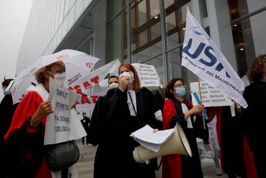 Rassemblement de magistrats contre la politique du garde des Sceaux Eric Dupond-Moretti devant le tribunal de Paris, le 24 septembre 2020