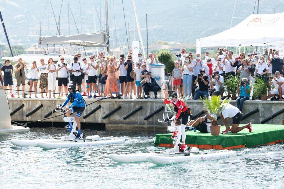 Entre Calvi et Monaco, les deux équipes devront parcourir 180 kilomètres en mer Méditerranée.