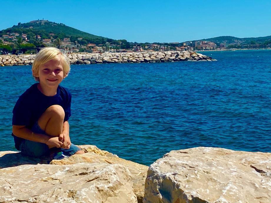 Tony, 6 ans, fera une apparition dans la nouvelle série de TF1 tournée à Marseille et diffusée l'été prochain.