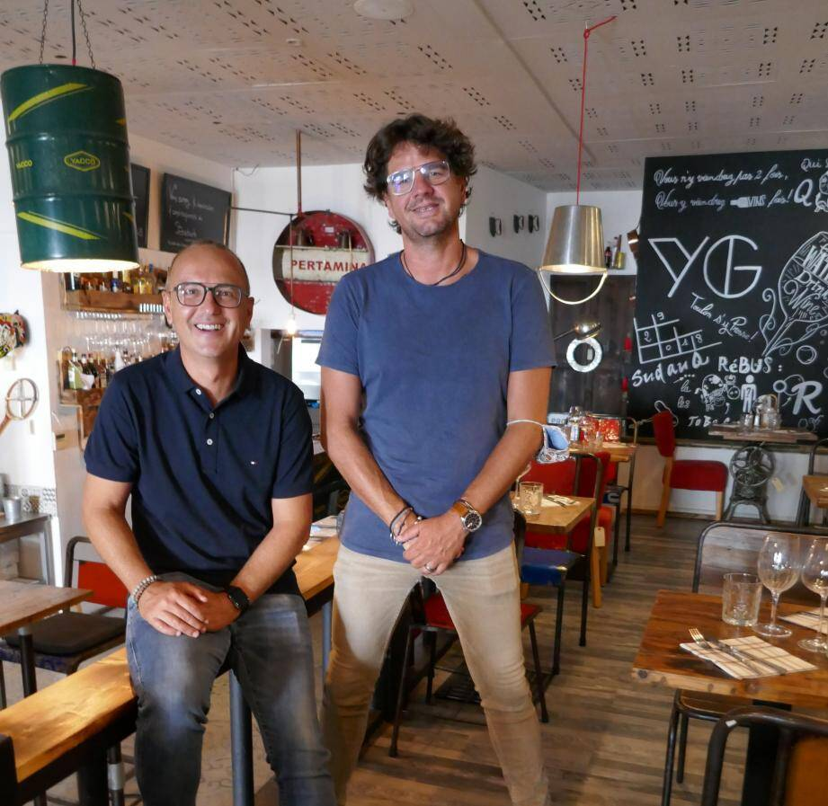 L'entreprise de Yohann Coyet et Guillaume Teret, dont la marque et la phrase ont été déposées, compte sept salariés. Deux embauches sont prévues en octobre pour le restaurant qui ouvrira à La Garde.