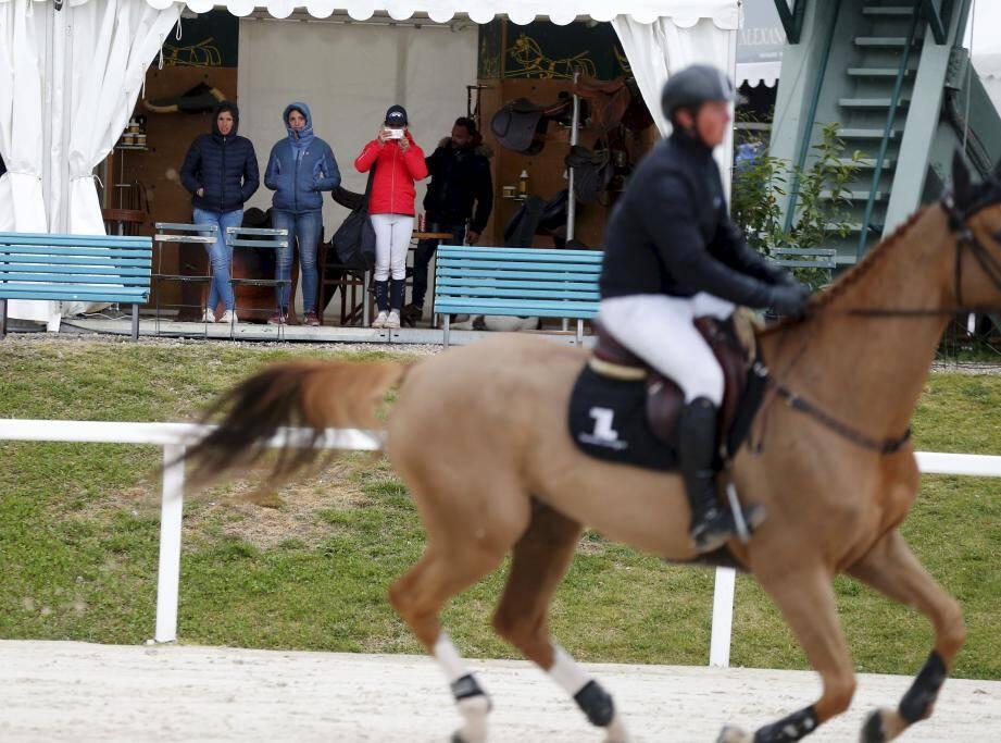 Ce mercredi, le procureur de la République a requis 3 mois de prison avec sursis et l'interdiction de posséder un animal domestique à l'encontre du cavalier de Flogas Sunset Cruise. Un cheval de 10 ans qui est mort lors du GPA Jump festival organisé à l'hippodrome de Cagnes-sur-Mer, ici en avril 2019 lors du Jumping de printemps.