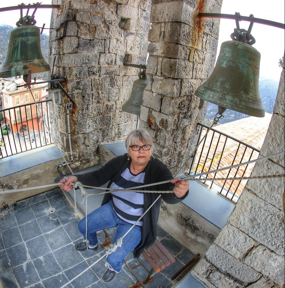 Marie-Chantal Chastel (ici en 2017), dans le clocher de Saint-Véran, à Utelle: «Quand je sonne, je pense à tous ceux qui m'ont précédée.»