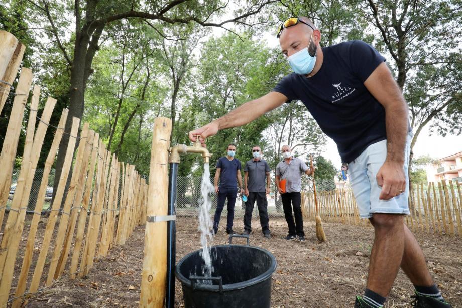 Dans le cadre de la politique de développement durable mise en place par la Ville, le premier jardin collectif a été inauguré en présence des bénéficiaires.