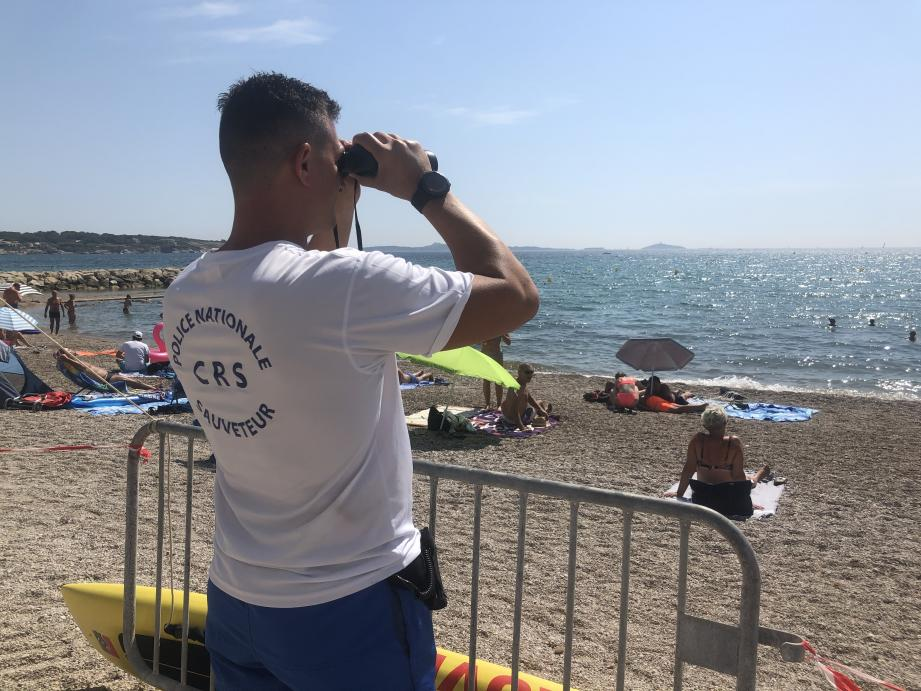 Sept nageurs sauveteurs CRS ont veillé sur les plages de Six-Fours pendant que quatre autres policiers sécurisaient celles de La Ciotat.