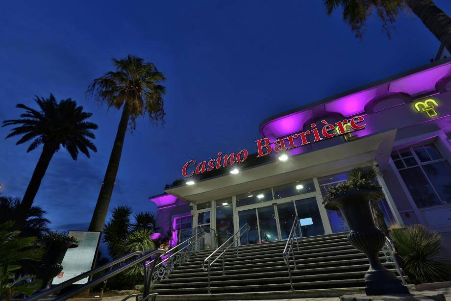 Casino Barrière de Saint-Raphaël.  Papier : Eric Farel  (MaxPPP TagID: maxmatinarch080210.jpg) [Photo via MaxPPP]