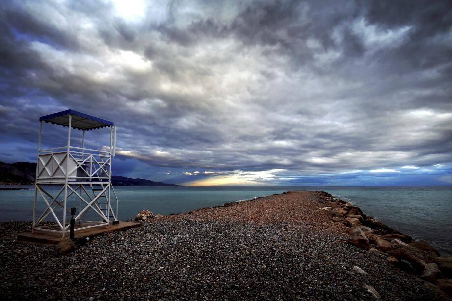 Tapis nuageux sur la méditerranée.