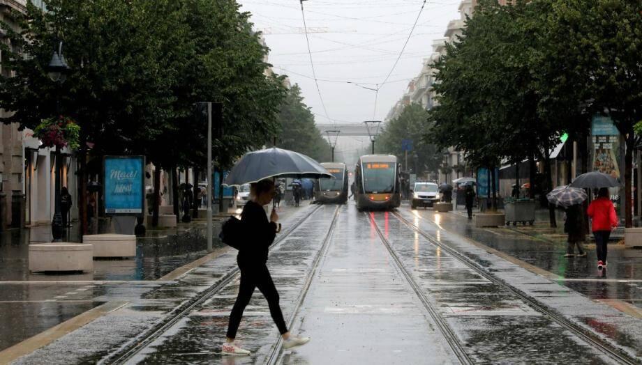 Temps pluvieux à Nice.