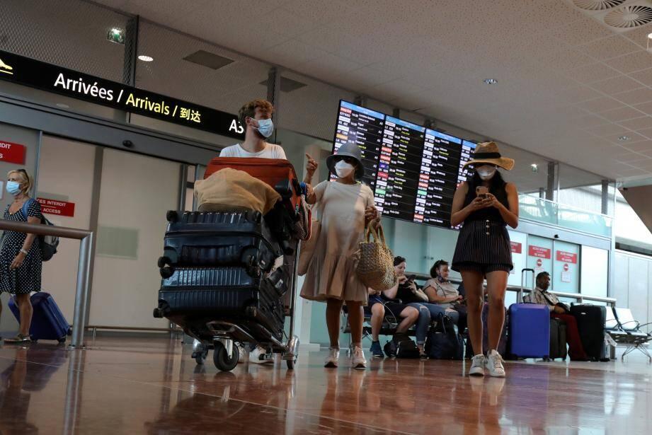 À la mi-août, l'aéroport Nice-Côte d'Azur avait repris 53 % de son activité de l'an dernier,àpareille époque. Après Paris, c'est celui qui s'en sort le mieux…