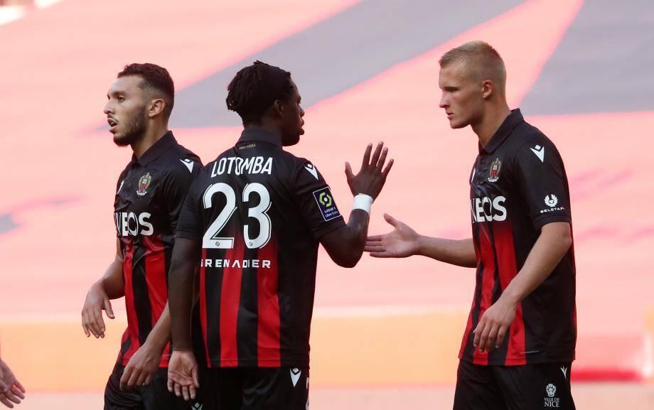 Kasper Dolberg (à droite) va retrouver la pointe de l'attaque niçoise.