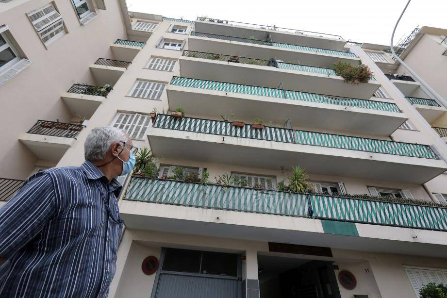 Le retraité qui, à 67 ans, est englué dans un imbroglio juridique qui l'écœure. Ce petit deux-pièces de 48 m2 avec garage devrait lui rapporter près de 800 euros par mois.