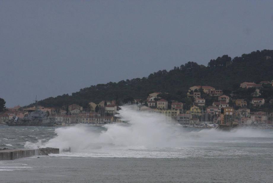 Photo d'illustration de vent violent à Toulon.