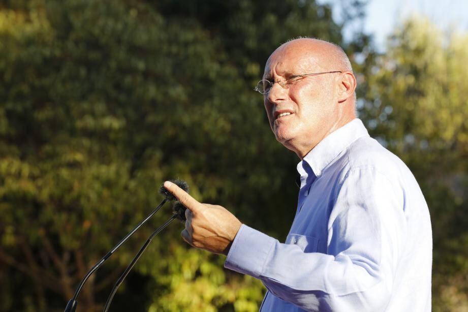 Bernard Laporte à Carqueiranne pour le lancement de sa campagne de réélection  à la tête de la FFR.