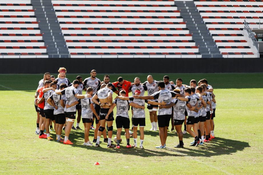 Les clubs de Top 14 ont voté à l'unanimité mercredi pour saisir le Conseil d'Etat dans le litige qui les oppose à la Fédération française de rugby concernant la mise à disposition des internationaux durant l'automne, a-t-on appris de sources concordantes.