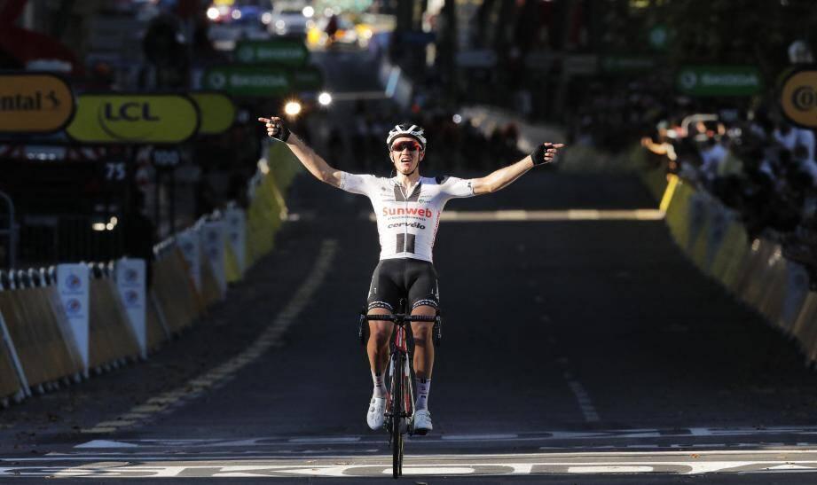 Le Danois Soeren Kragh Andersen a conclu le travail collectif de l'équipe Sunweb pour remporter la 14e étape du Tour de France, samedi 12 septembre, sur les quais du Rhône à Lyon.