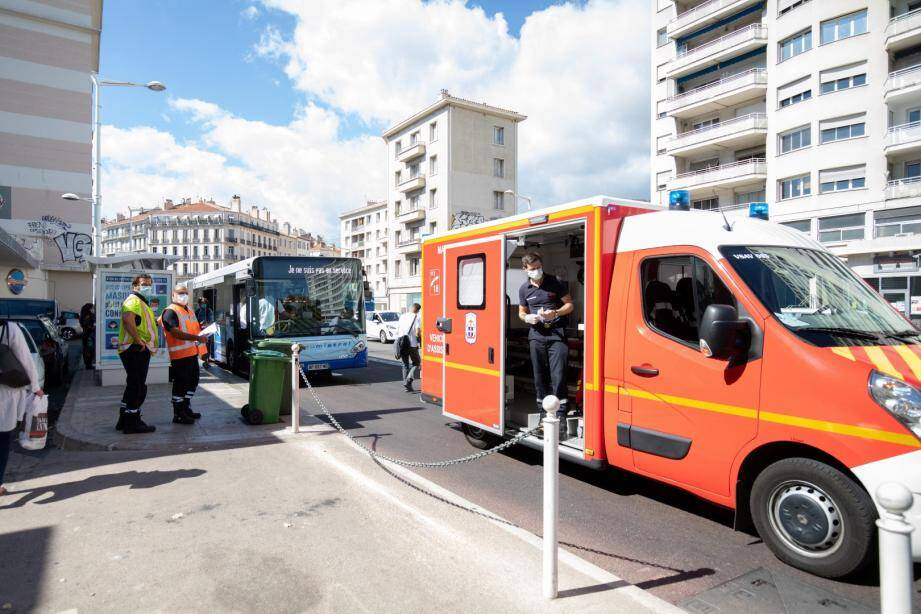 Les faits se sont déroulés ce jeudi après-midi sur l'un des principaux axes du centre-ville de Toulon.