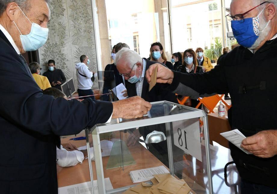 Les élections sénatoriales à la préfecture de Toulon.