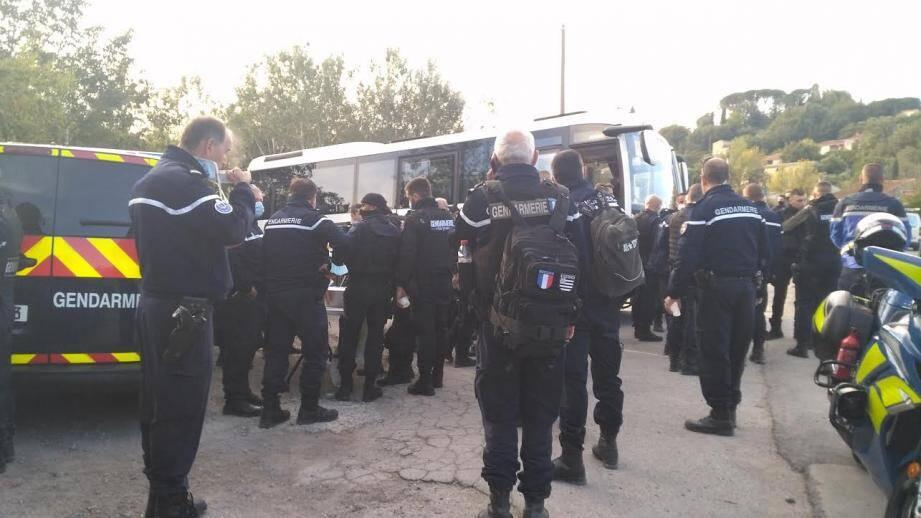 300 gendarmes ont été déployés ce mardi matin entre Cogolin et Grimaud.