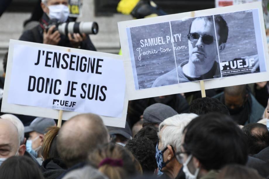 """La cérémonie d'hommage national à Samuel Paty, l'enseignant décapité vendredi par un islamiste, """"aura lieu dans la cour de la Sorbonne mercredi en fin d'après-midi"""", a indiqué l'Elysée."""