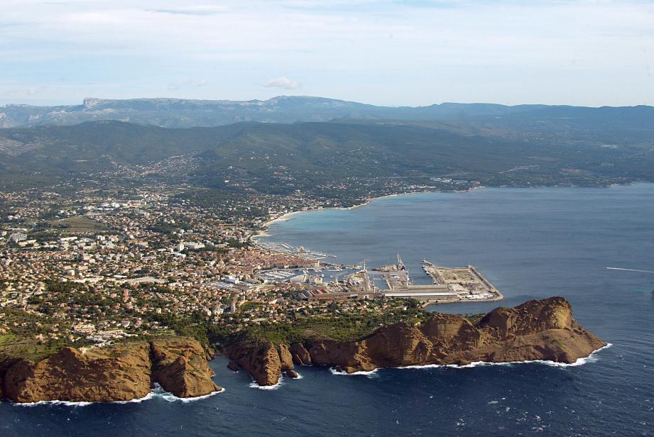 Vue aérienne de la baie de La Ciotat.