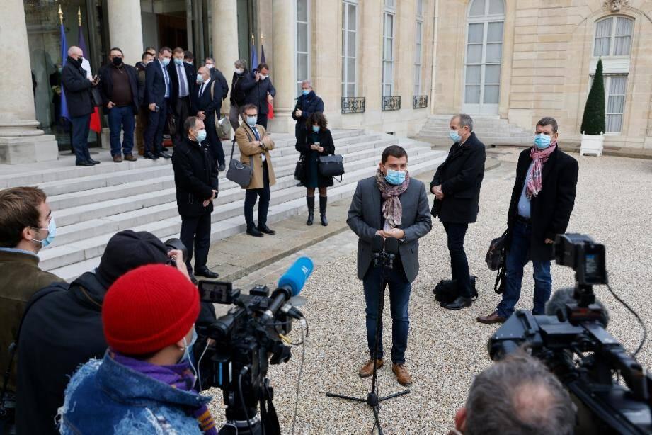 Les syndicats de police lors d'un point de presse à l'issue de leur rencontre avec Emmanuel Macron à l'Elysée après une série d'agressions de policiers, le 15 octobre 2020
