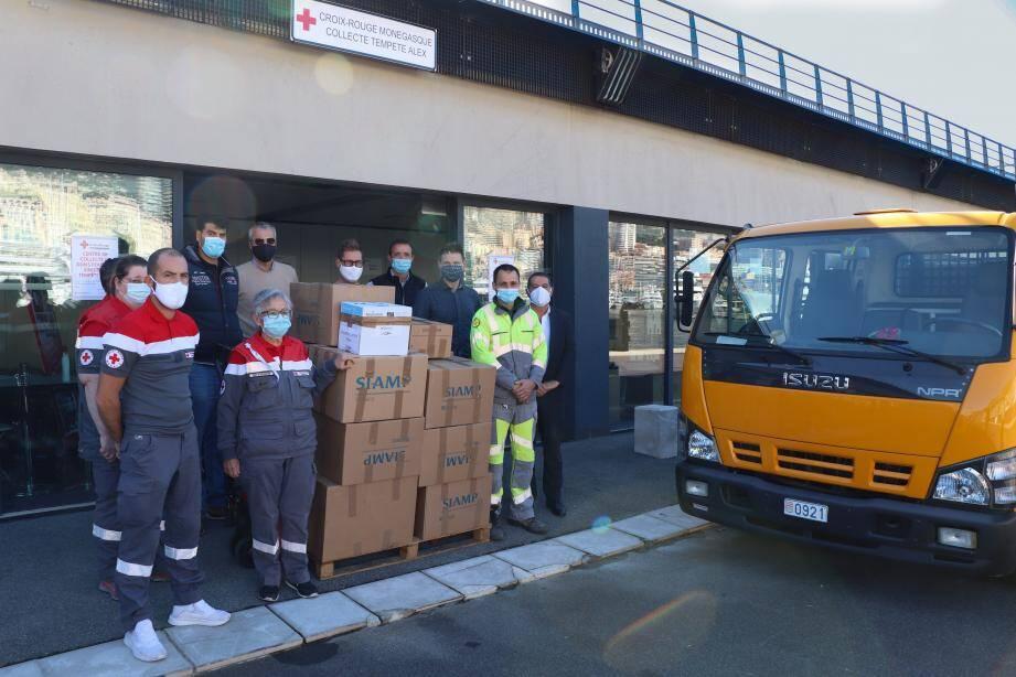 La Croix-Rouge monégasque a collecté 75.000euros, auxquels son président, le prince Albert II, a rajouté 100.000euros.