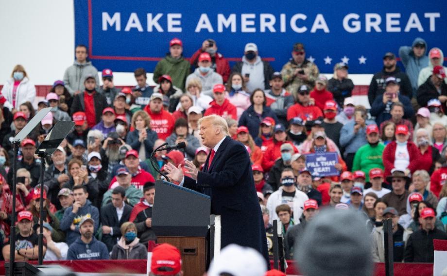 Le président américain Donald Trump lors d'un meeting de campagne à Lititz, le 26 octobre 2020 en Pennsylvanie
