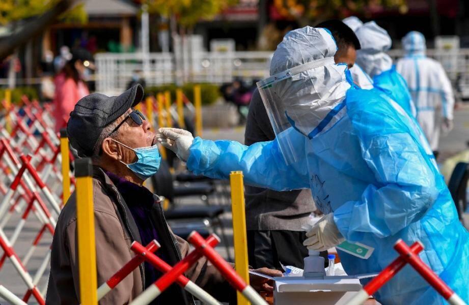 Dépistage massif à Qingdao après la découverte de six as de Covid-19, le 12 octobre, dans l'est de la Chine