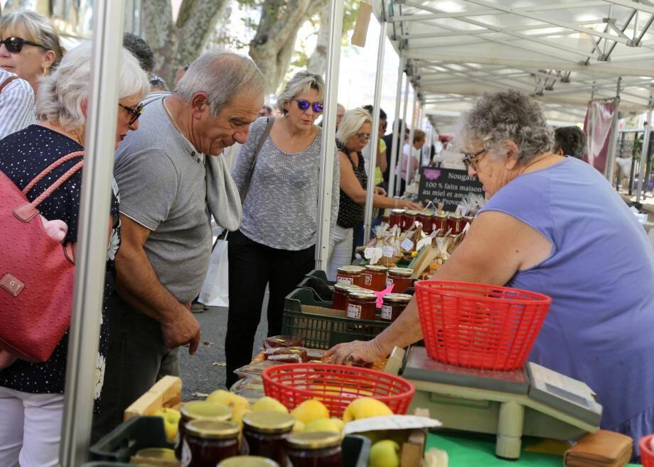 La fête du coing n'aura pas lieu cette année. Un marché est annoncé ce 25 octobre.